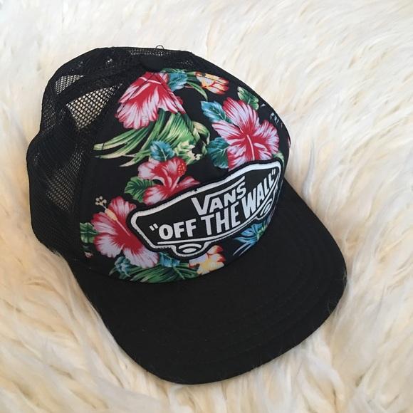 Vans Floral Trucker Hat🌿. M 5a9022b400450f15d533adb1 31f47b8ab83